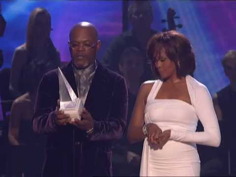 Whitney Houston Receives the International Artist Award - AMA 2009