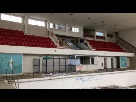 Inside an ABANDONED Leisure Centre!!