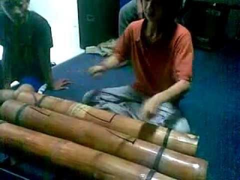 Kendang bambu - bamboo percussion
