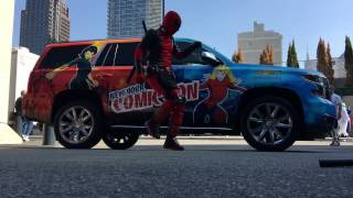 Deadpool dance cutting shapes in NYCC 2016