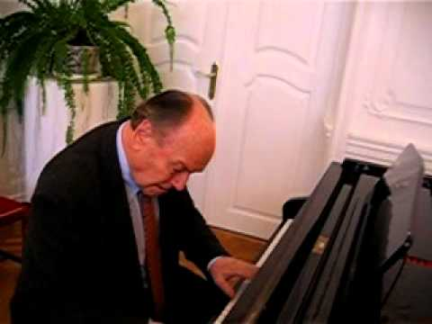 Marian Borkowski plays piano
