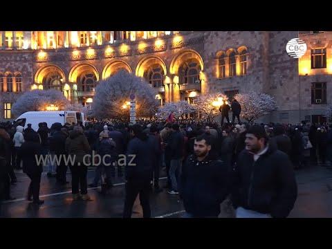 Тысячи людей вышли на митинг в Ереване против действующих властей