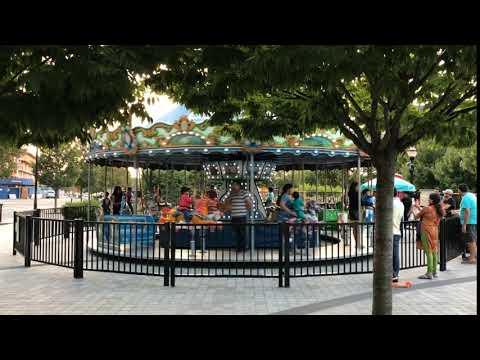 Jersey City, New Jersey - Newport Green Carousel Boomerang HD (2017)