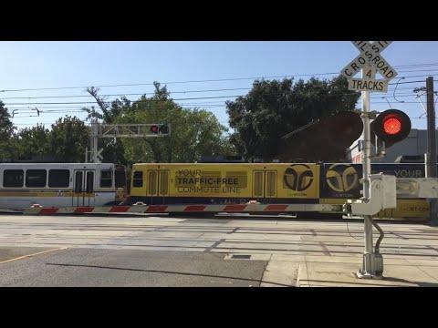 Sacramento Light Rail Outbound, S Street Crossing, SACRT 103 New Scheme, Sacramento CA