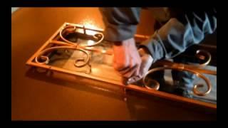 видео Входная дверь со стеклом и ковкой с замком ПРО САМ