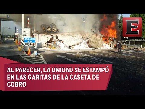 Cerrada la autopista México-Toluca por choque e incendio de tráiler
