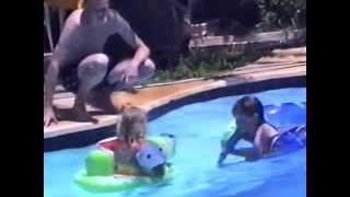 Majorca 1997 Kids in pool
