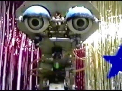 Kinetics in West Seattle with Jason Rudolph on Vimeo   Chuck E Cheese Animatronics Endoskeleton