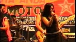 New PALADA - Suratan (Lilin Herlina) Live Lap. Kabuh Jombang 2005