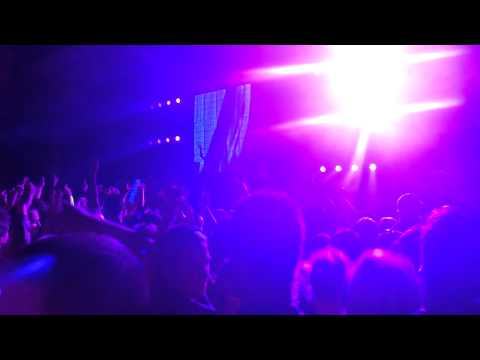 avicii---09-sweet-dreams-(live-in-hd)