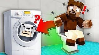 FAKİR'İN TUVALETİNDE SAKLANDIM! 😱 - Minecraft