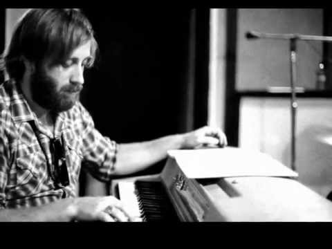 The Black Keys - Too Afraid To Love You [Lyrics]