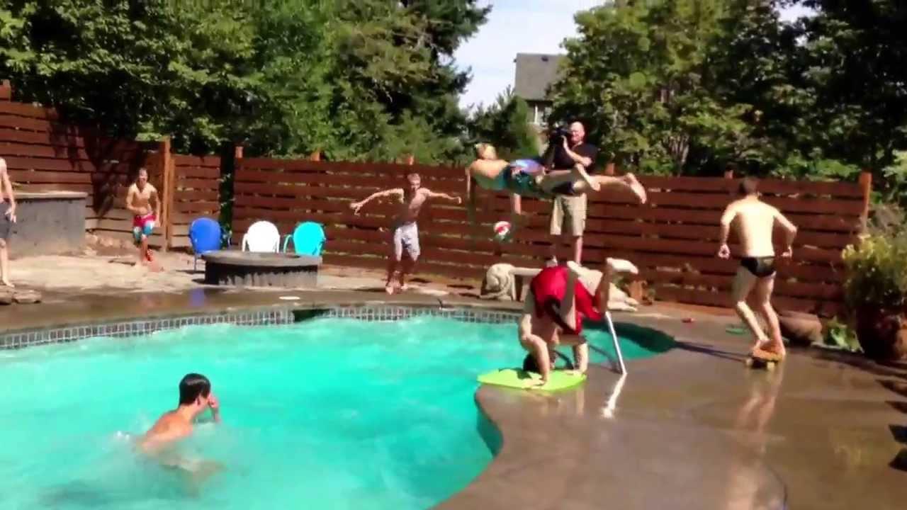 Crazy 11 man pool dunk