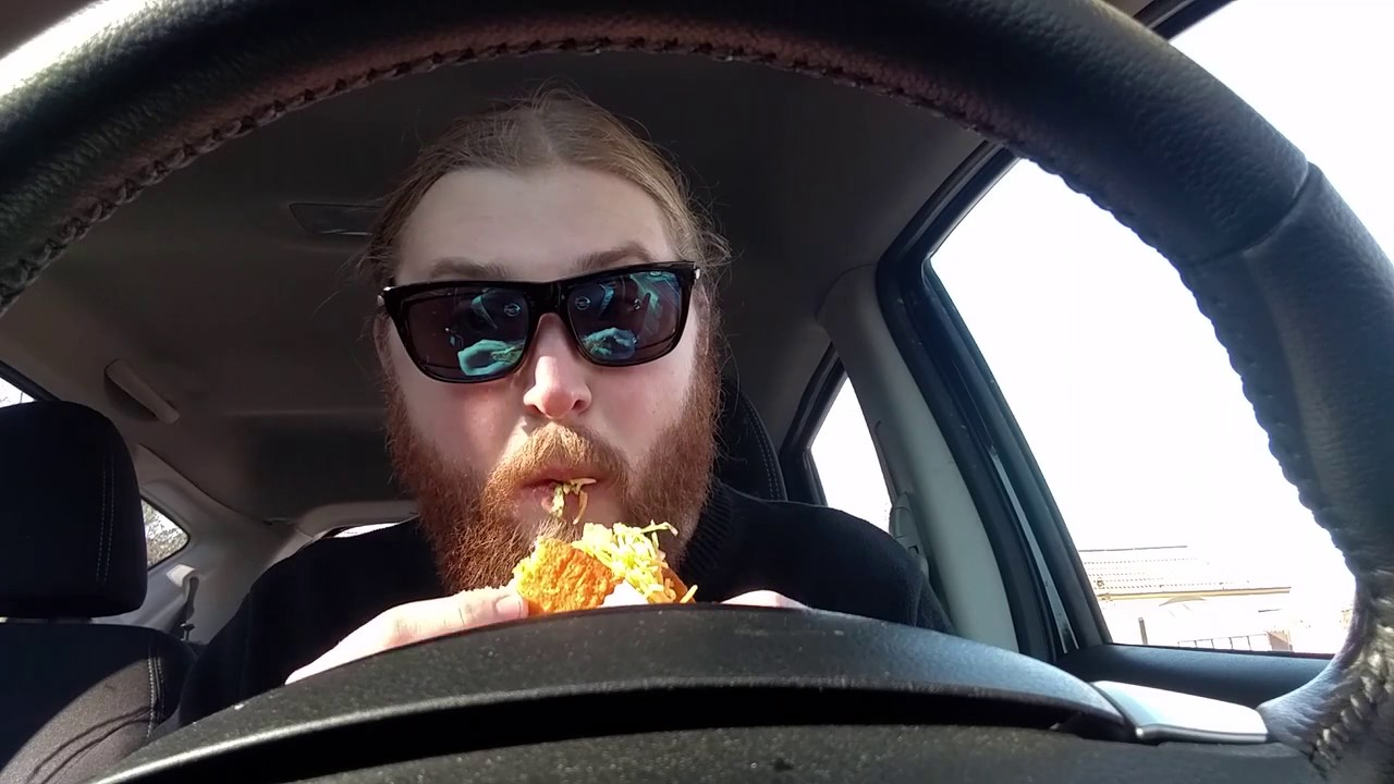 TACO BELL Naked Chicken Chalupa - Review - YouTube