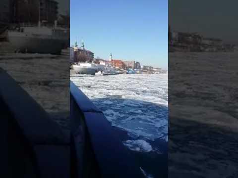 부다페스트 다뉴브강 쇄빙선 Budapest Danube frozen..