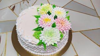 Бисквитный торт с нежными хризантемами