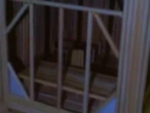 nhà làm bằng tăm tre
