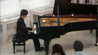 Play Keyboard Sonata No. 33 in C Minor, Hob.XVI20 III. Finale Allegro