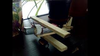 Как сделать летающий самолет, How to make a flying airplane using improvised materials