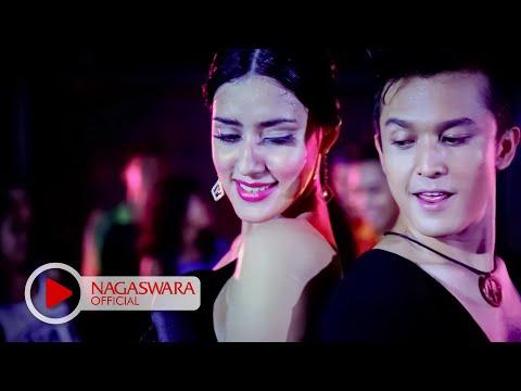 Fairuz A. Rafiq Feat Miladian - Pengalaman Pertama (Official Music Video NAGASWARA) #music