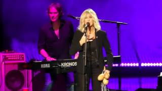 """Everywhere"" Buckingham McVie@The Mann Center Philadelphia 6/30/17"