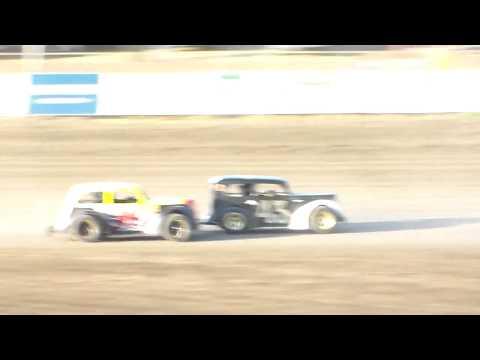 Dacotah Speedway INEX Legends Heats (8/11/17)