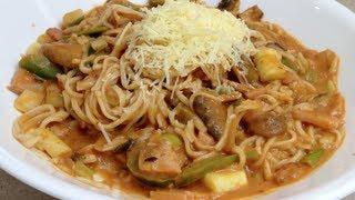 Creamy Leek & Mushroom Homemade Spaghetti Cheekyricho