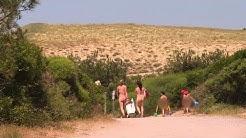 Tourisme naturiste: une clientèle plus jeune et plus familiale I AFP Reportage