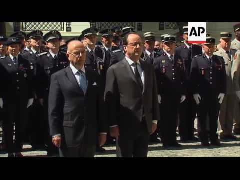 Hollande and Cazeneuve join silence for Nice