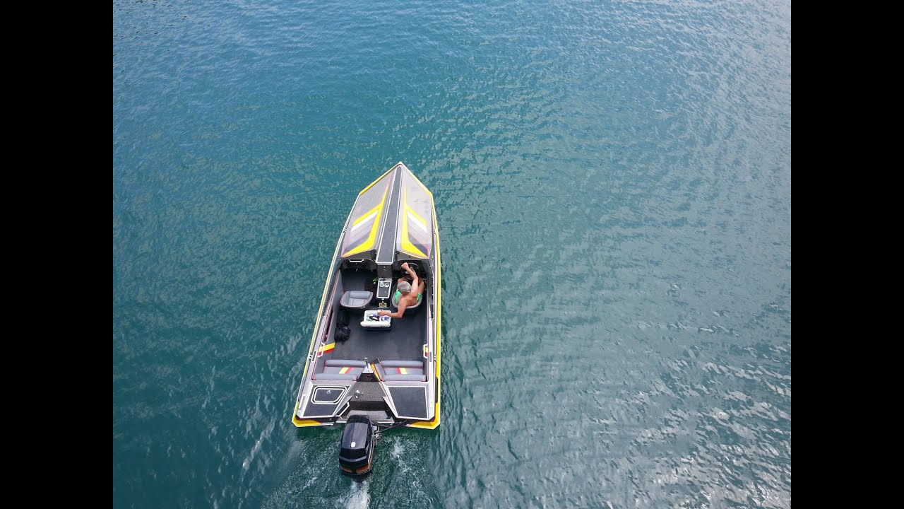 Exploring norris lake in a 1988 norris craft ski boat for Norris craft boats for sale