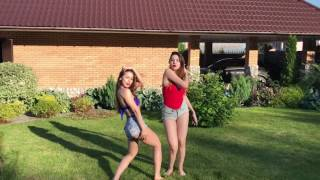 Russian Girls Dance To The Spanish Song