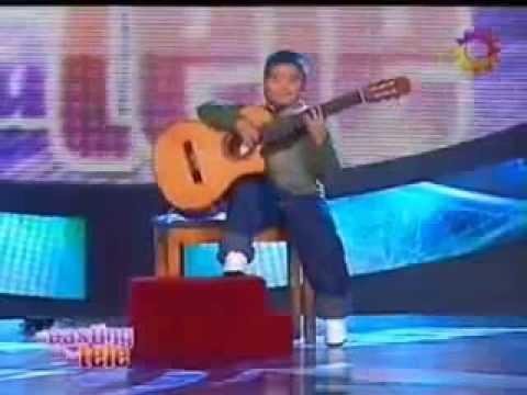 Дети таланты. 5 летний мальчик виртуозно играет на гитаре!!!