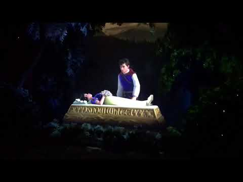 Romantic Snow White Ending Shanghai Disneyland 2017