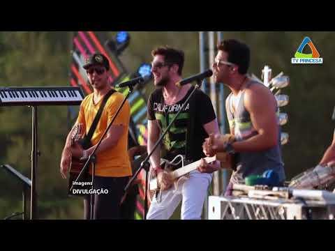 (JC 01/02/18) Preparativos para o Banho da Doroteia,carnaval antecipado que acontece no sábado.
