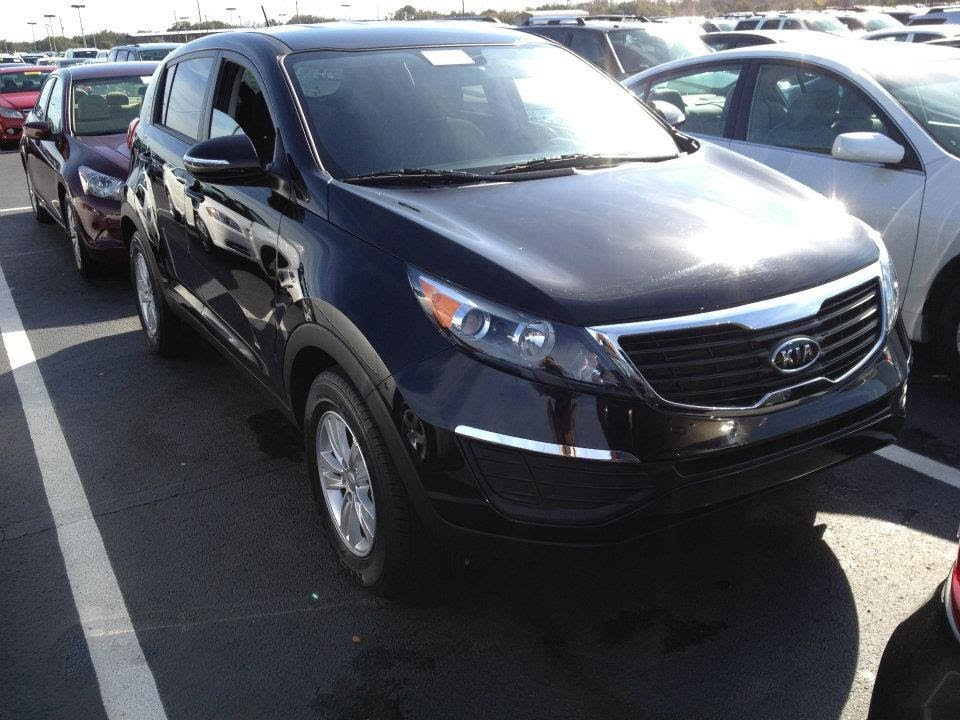 2011 Kia Sportage Lx Start Up  Quick Tour   U0026 Rev With Exhaust View - 21k