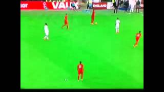 Player hit by paper Aeroplane (England-Peru)