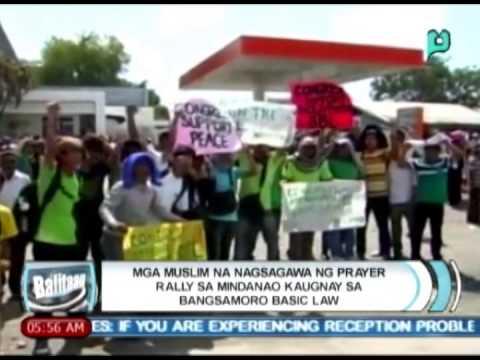 Mga Muslim na nagsagawa ng prayer rally sa Mindanao kaugnay sa Bangsamoro Basic Law [05 06 14]