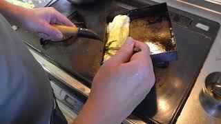 幸運な病のレシピ( 747 )朝:だし巻き卵(ホウレン草巻き込み)、鮭(醤油浸し)、味噌汁、パテから作った餃子の餡(夜に手羽先餃子と羽根つき餃子) thumbnail