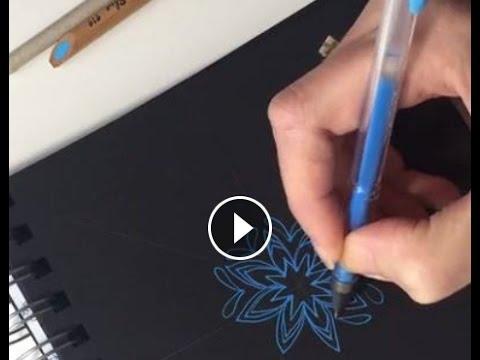Hoe teken je een mandala zonder hulpcirkels met gelpen op zwart papier