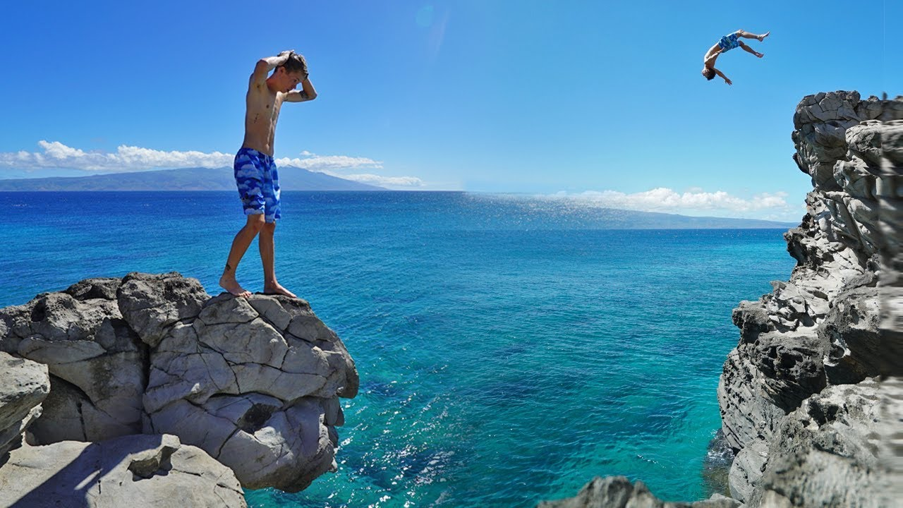 CRAZIEST HAWAII CLIFF JUMPING SPOT!