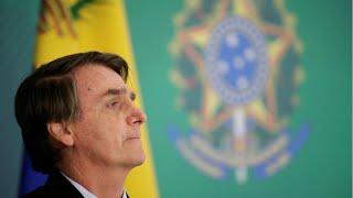 Le président brésilien Bolsonaro critique le carnaval en tweetant une vidéo obscène