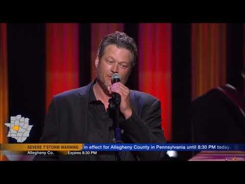 Blake Shelton sings