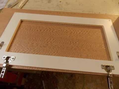 Сборка мебели. Монтаж стекла на дверь из МДФ.