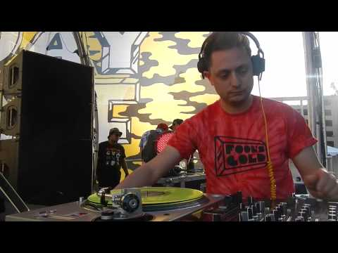 NICK CATCHDUBS - JUS GESAFFELSTEININ @ FOOLS GOLD DAY OFF 2013 - 11.10.2013