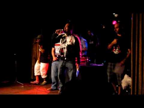 Hip-Hop Karaoke 42 - Mahdi performs OutKast's Rosa Parks