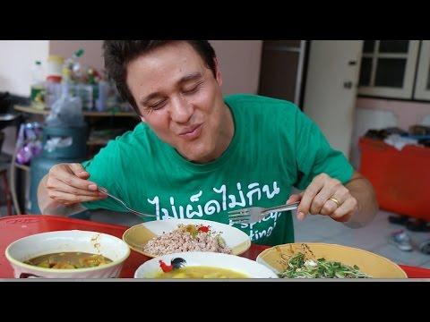 Living in Bangkok: Morning Market, Delicious Feast