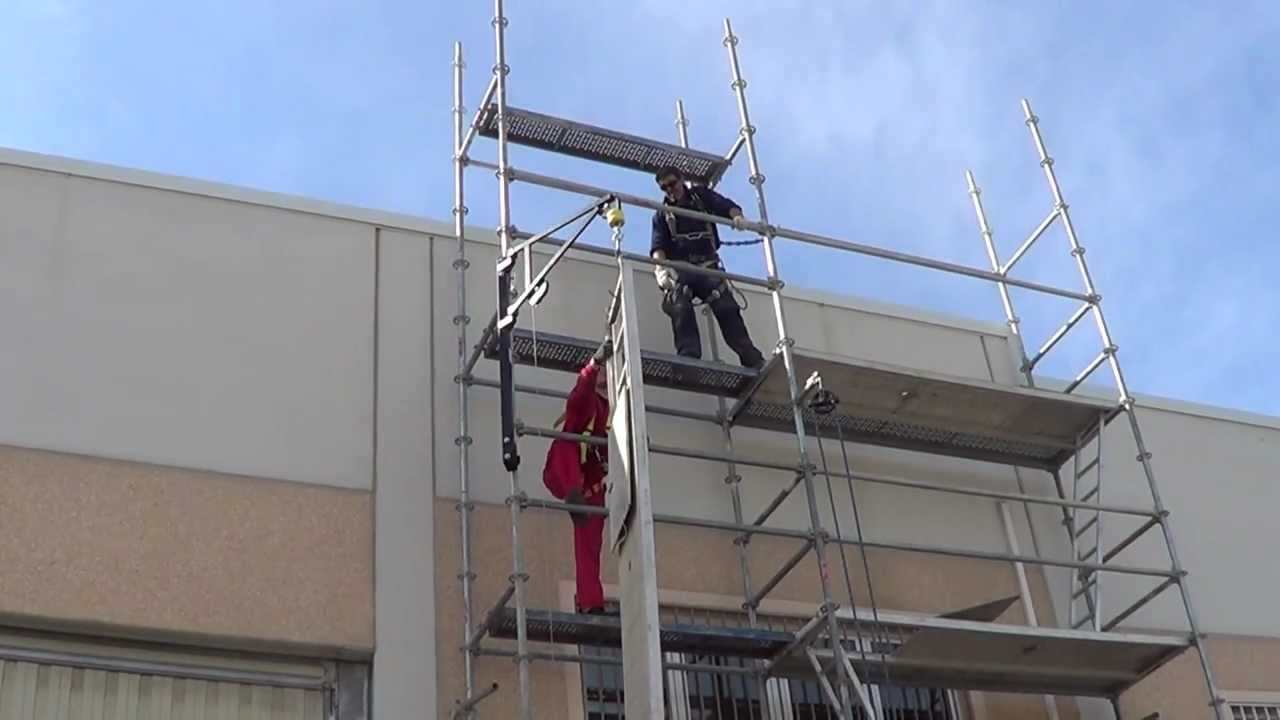 hoist for scaffolding - YouTube