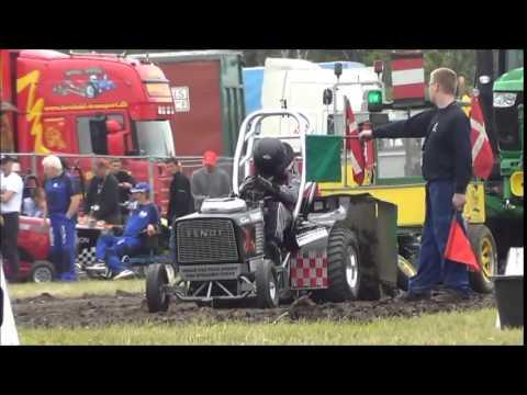 350 og 500 kg Traktorer i Testrup Pulling Park - 2015