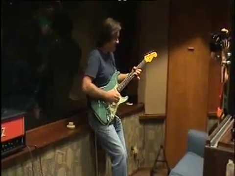 Carl Verheyen Takes a Solo