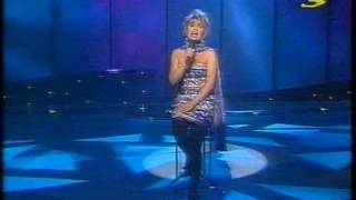 Watch Elaine Paige I Gaze In Your Eyes video